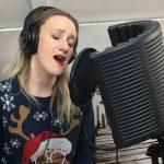 Nora Tol singing